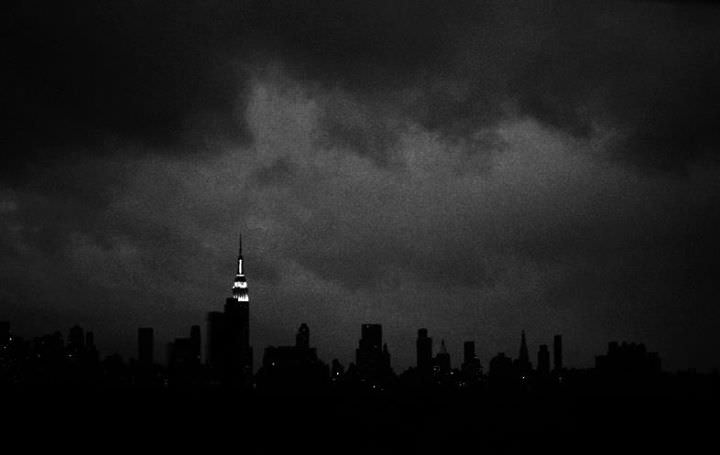 Darkness descends on New York City, after the hurricane, Photography by Giovanni Savino